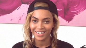 "Beyoncé Dedicates New Track ""Die With You"" to Jay Z"